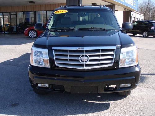 2005 Escalade EXT black